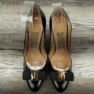 NEW Salvatore Ferragamo Varina bow heels patent